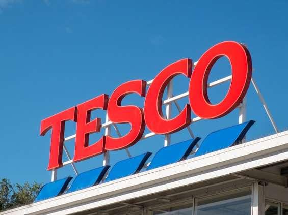 Echo kupuje od Tesco trzy centra handlowe
