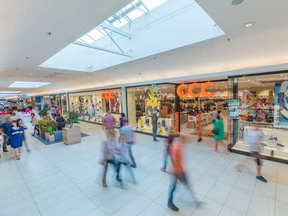 Badanie: centra handlowe powoli podnoszą się