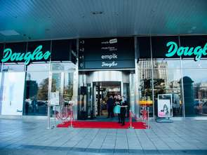 Szykują się zamknięcia perfumerii Douglas?