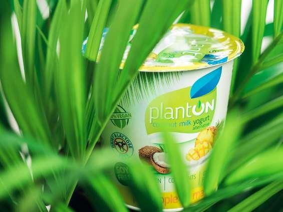 Pierwsza polska firma mleczarska przechodzi na 100% roślinną produkcję