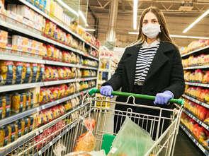 EY: Polacy w pandemii wydają jak wcześniej