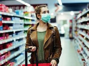 Maseczki w sklepach: wciąż bez jednoznaczych przepisów