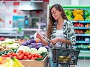 Inflacja przyspiesza, ale żywność drożeje wolniej
