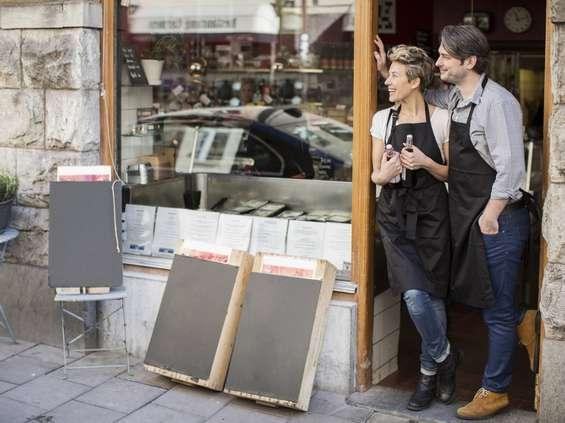 Mastercard: Polacy bardziej doceniają okolicznych sprzedawców