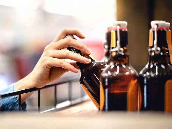 """Oznaczenie na etykietach """"piwo kraftowe"""" nie wszystkim się podoba"""