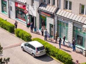 Handel: Limity klientów w sklepach negatywnie wpłyną na firmy handlowe