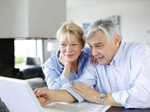60-latkowie szturmują internet