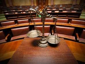 Senat: brak maseczki podstawą odmowy sprzedaży