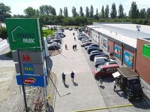 Niespożywcze dyskonty królują w centrach convenience