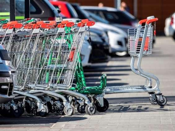 Polacy chcą uwolnienia niedzielnego handlu [BADANIE]