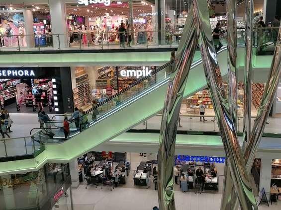 Ruch w centrach handlowych wyraźnie mniejszy