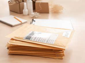 Zakupy w e-sklepach: listopaczka zamiast tradycyjnej przesyłki