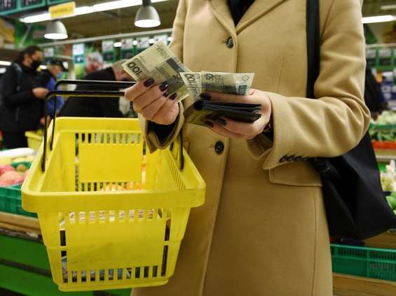 Polacy pójdą na zakupy dopiero na tydzień lub dwa przed świętami