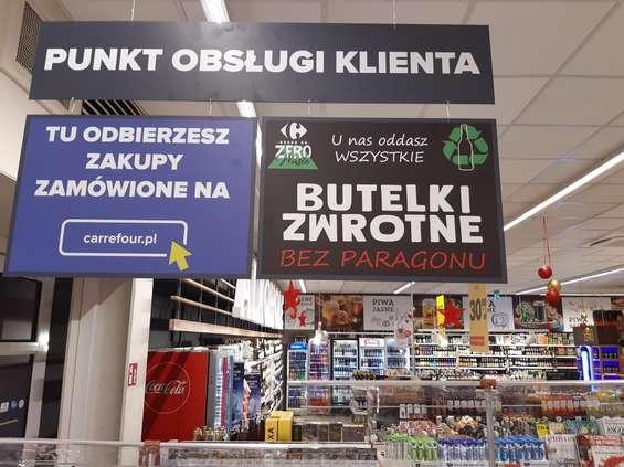 Carrefour przyjmuje butelki zwrotne bez paragonu