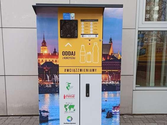 Warszawiacy przekonali się do recyklomatów