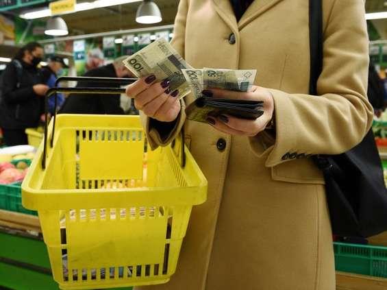 CMR: świąteczne zakupy i podobne i inne, niż te sprzed pandemii