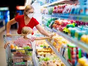 Koszyk cen: Auchan znów bije wszystkich na głowę