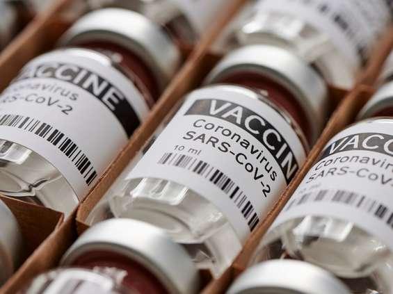 Branża handlowa domaga się szczepień nie tylko w Polsce
