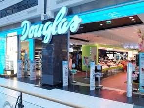 Douglas zamknie więcej niż co piąty sklep
