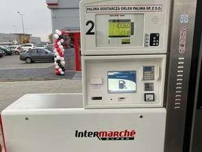 Grupa Muszkieterów: celem stacja paliw przy każdym supermarkecie