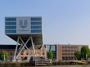 Mydła i zastępniki mięsa pociągnęły sprzedaż Unilevera