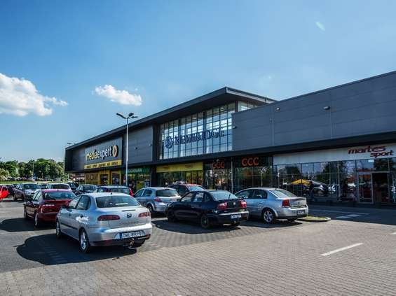 Kluczowi najemcy retail parków Newbridge przedłużają umowy