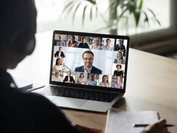 Deloitte: praca zdalna negatywnie wpływa na życie prywatne