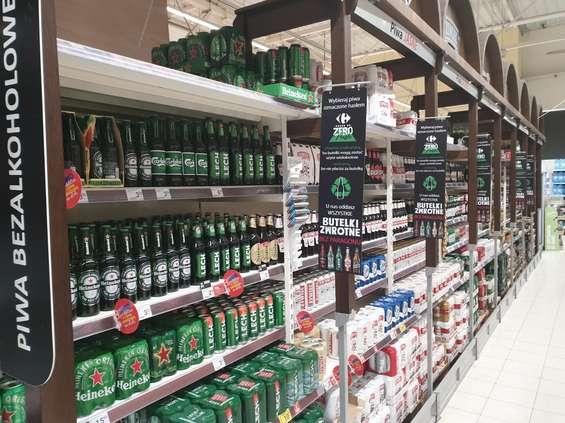 Carrefour chce skupować butelki bez paragonu w całym kraju