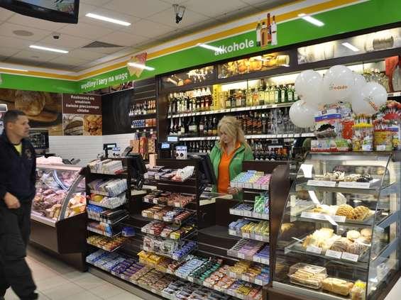 CMR: spada liczba klientów w małych sklepach