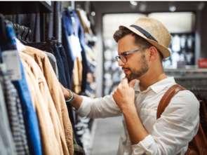 Młodzi mają dość i chcą otwarcia sklepów