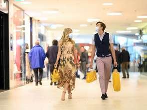 Otwierają się centra handlowe, sklepy meblowe i sportowe