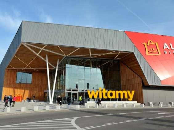 Carrefour kupuje trzy lokale po Tesco