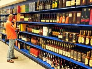 Mniej alkoholu w domach Polaków: Nielsen sprawdził paragony