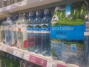 Butelki w Carrefourze mają mniej plastiku