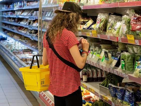 Polacy mają problem z rękawiczkami ochronnymi podczas zakupów