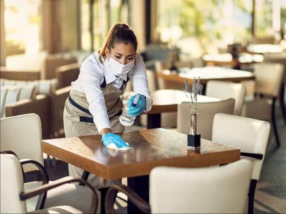 W gastronomii brakuje rąk do pracy. Przychodzą ludzie z łapanki