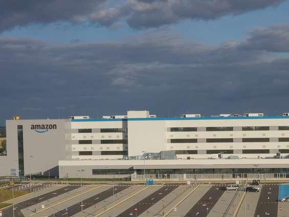 Amazon zatrudnia i inwestuje w Polsce