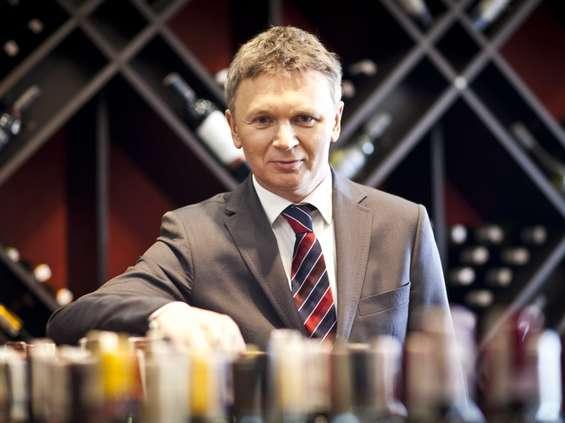 Ambra: Polacy w czasie pandemii kupili mniej alkoholu, ale za więcej