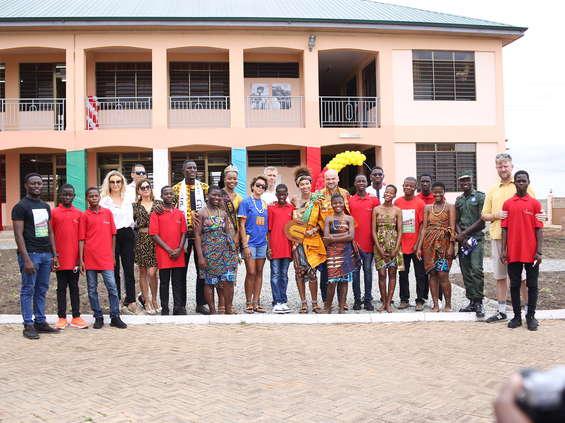 Marka E.Wedel dołożyła słodką cegiełkę do budowy szkoły w Ghanie