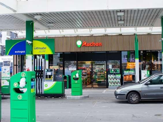 Sześć nowych lokalizacji Easy Auchan na stacjach bp