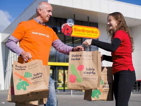 Biedronka dzieli się zyskiem ze sprzedaży z Bankami Żywności