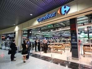 Carrefour idzie na całość: otwiera wszystkie swoje sklepy w niedziele