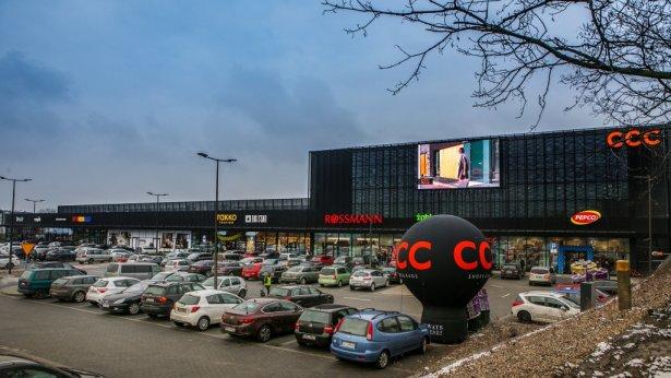 23f2177d Na powierzchni około 5 500 mkw. swoje sklepy otworzyły marki takie jak: RTV  euro AGD, Rossmann, Empik, Dealz, Pepco, Takko Fashion, Diverse, Big Star,  ...