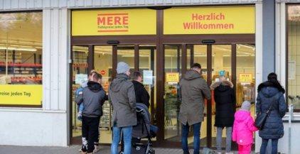 63aff2174ae281 W pustym od roku lokalu po dawnym Aldim 29 stycznia ruszył pierwszy w  Niemczech dyskontowy sklep Mere. Należy on do firmy Torgservis, założonej  przez ...